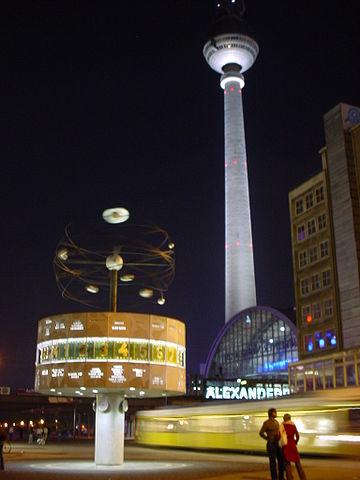 Alexanderplatz de noche