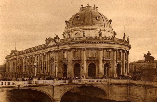 Bode-Museum Monbijoubruecke Berlin en 1904